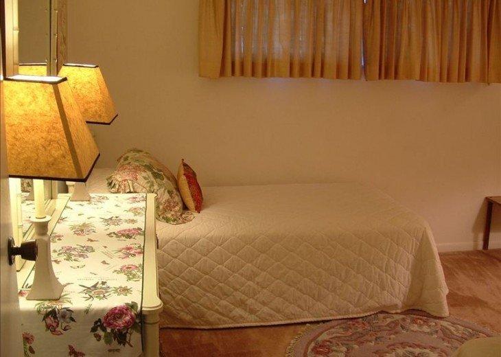 Twin bed second bedroom