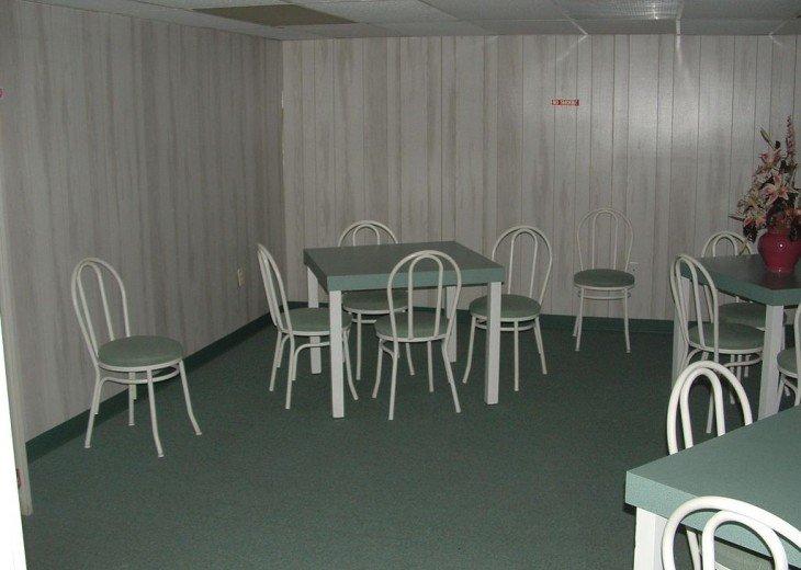 Meeting room upper lobby level