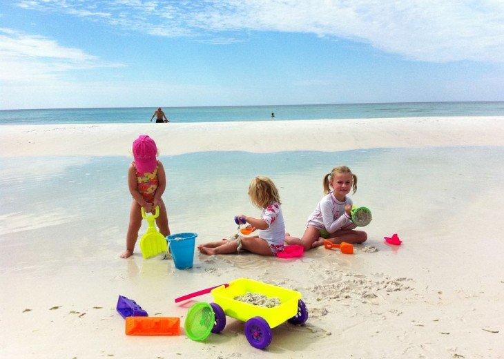 Adagio D405 Premium Pool Front! Private Top Floor Corner! Direct Beach Access!! #3