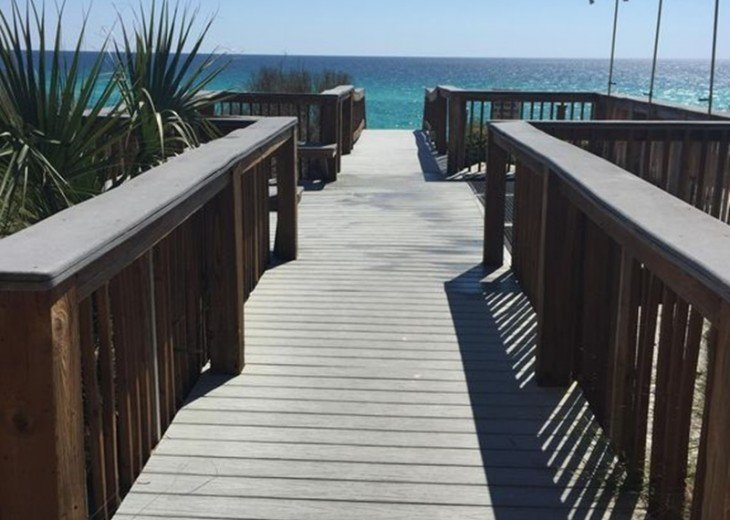 Adagio D405 Premium Pool Front! Private Top Floor Corner! Direct Beach Access!! #24