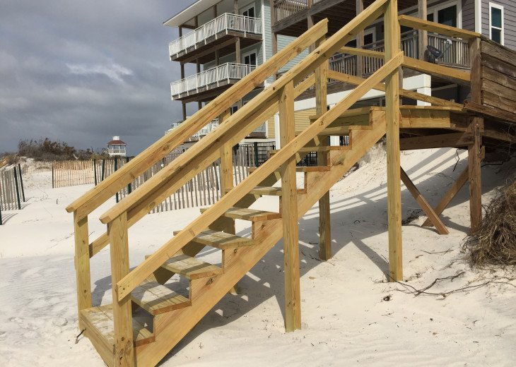 Boardwalk to the beach 2019