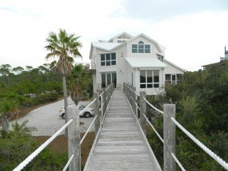 Bella Vista 4 bdrm 4.5 bath gulf front with elevator