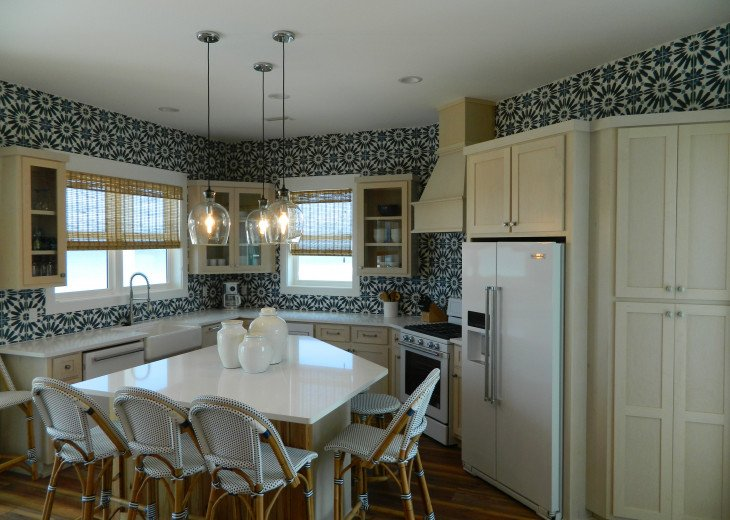 Very gorgeous kitchen with upper end appliances