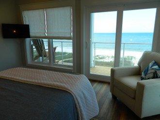 Queen Room views