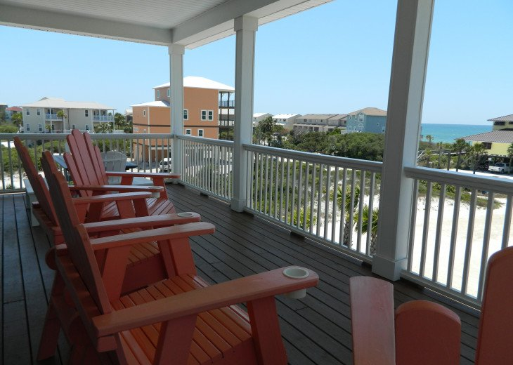 Captains chairs on living deck