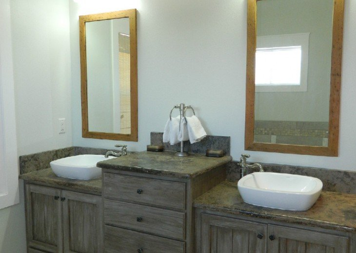 Sink Area for Downstairs King Bath