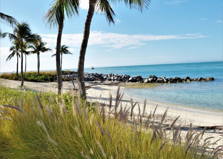 30 night minimum stay, SUNSET KEY, LUXURY UPSCALE HOME RIGHT ON THE BEACH, #32