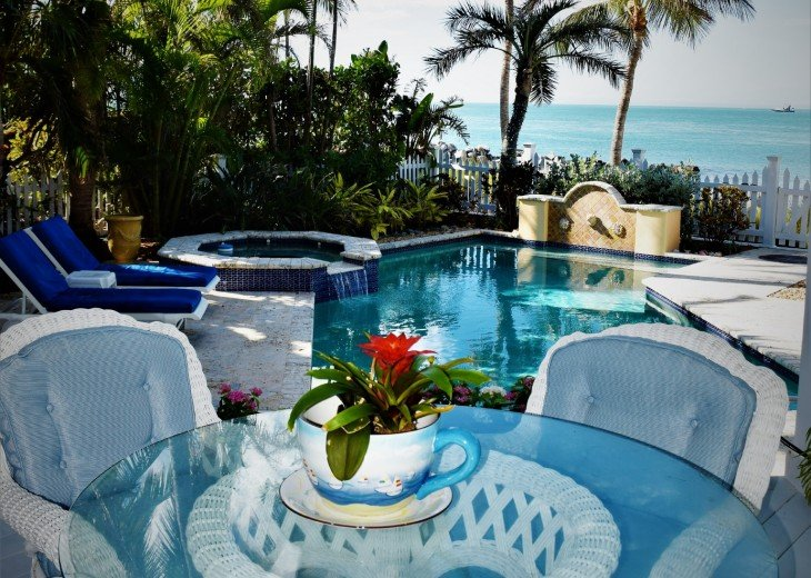 30 night minimum stay, SUNSET KEY, LUXURY UPSCALE HOME RIGHT ON THE BEACH, #26
