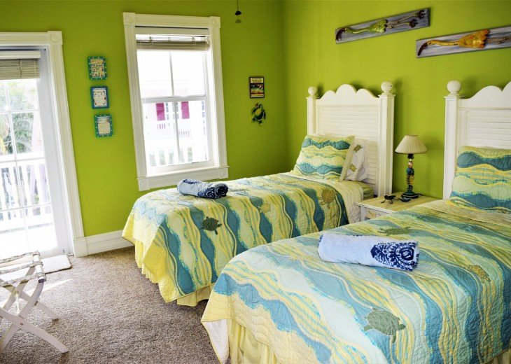 Guest Bedroom #2 with 2 twin beds