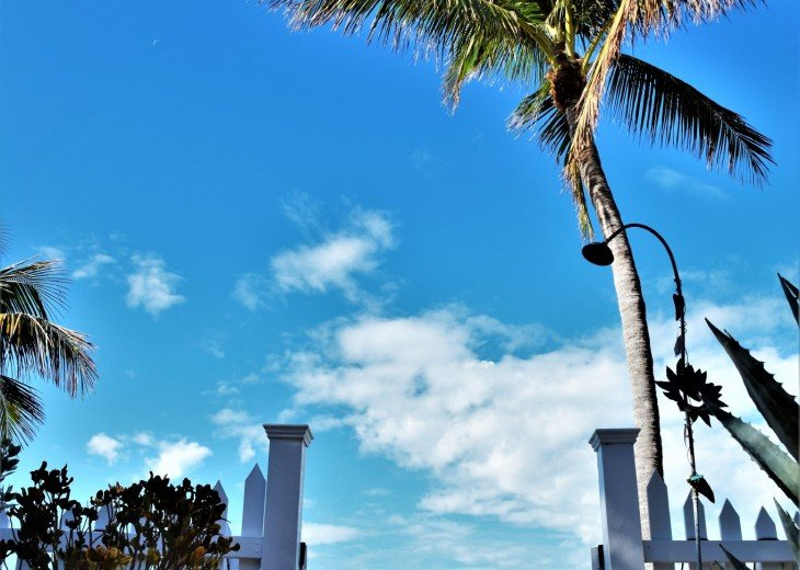 30 night minimum stay, SUNSET KEY, LUXURY UPSCALE HOME RIGHT ON THE BEACH, #30