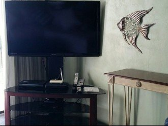 3 TVs (living room and each bedroom) with premium HD channels