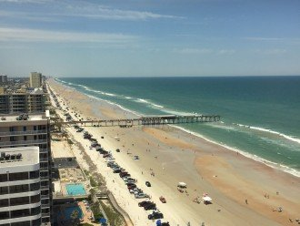 View looking north on Daytona Beach (SunGlo Pier) from Penthouse Clubroom