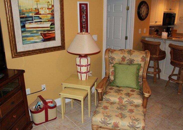 Tina's Treasure Island Luxury Beach Condo-2BR 6th Flr-Free Beach Chairs/Umbrella #61