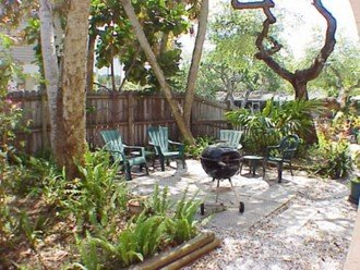 """""""Tropical Tree House"""" 6151 Midnight Pass Rd. #1"""