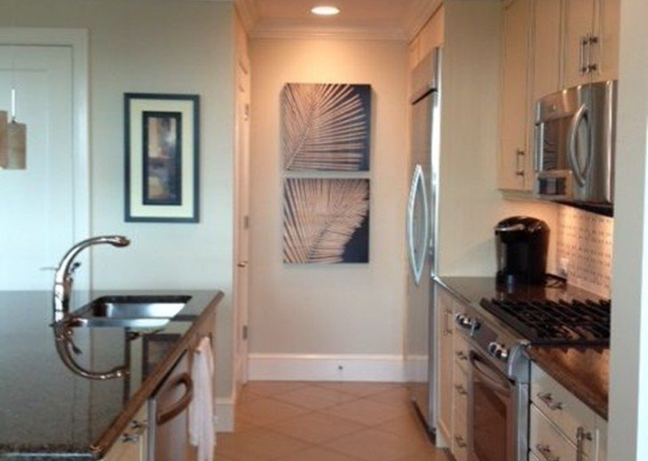 Luxury Urban Condo in the Strada at Mercato in Naples FL. Walk to Everything! #9