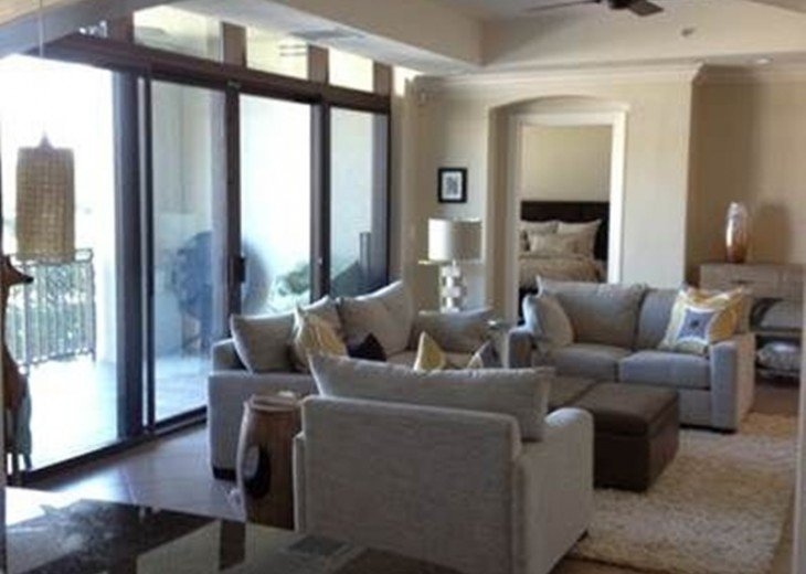 Luxury Urban Condo in the Strada at Mercato in Naples FL. Walk to Everything! #4