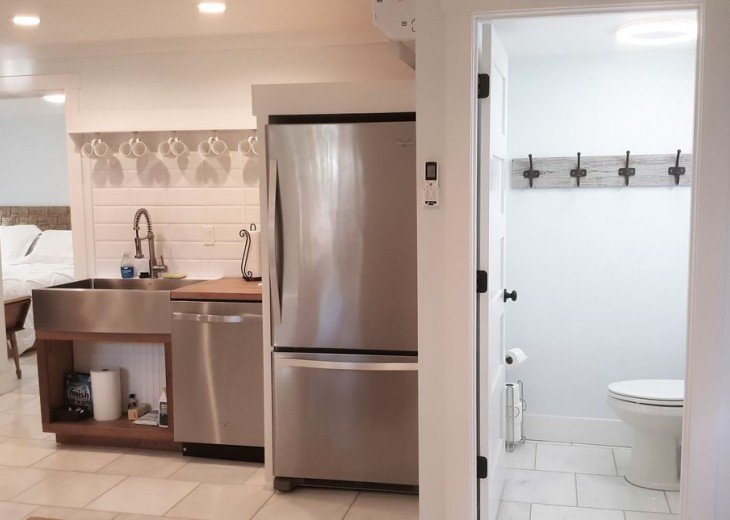 Downtown Lemon Guesthouse -Sleeps 14 - 4 BD 2.5 BA - Easy Walk to St George St #20