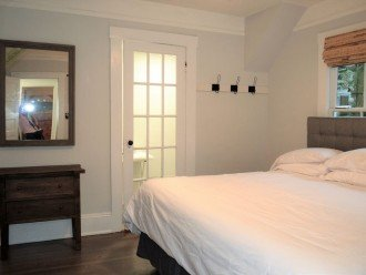 Downtown Lemon Guesthouse -Sleeps 14 - 4 BD 2.5 BA - Easy Walk to St George St #1