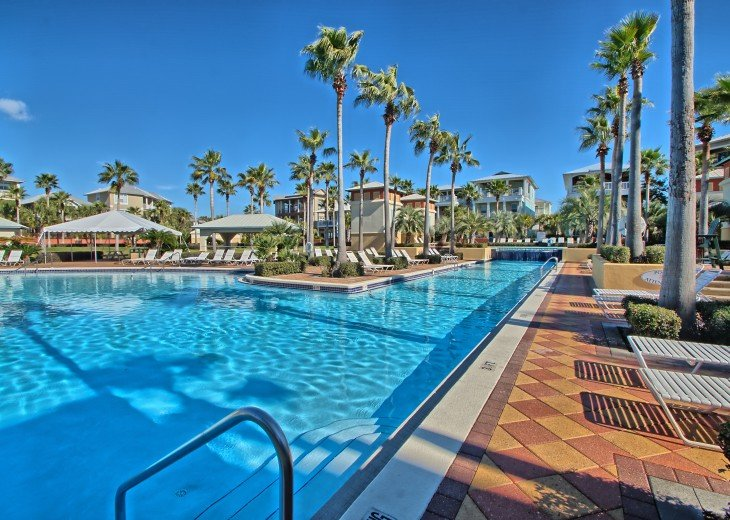 Pool Deck House ! 1 block to Beach, 1 block to Rosemary Beach town square #36