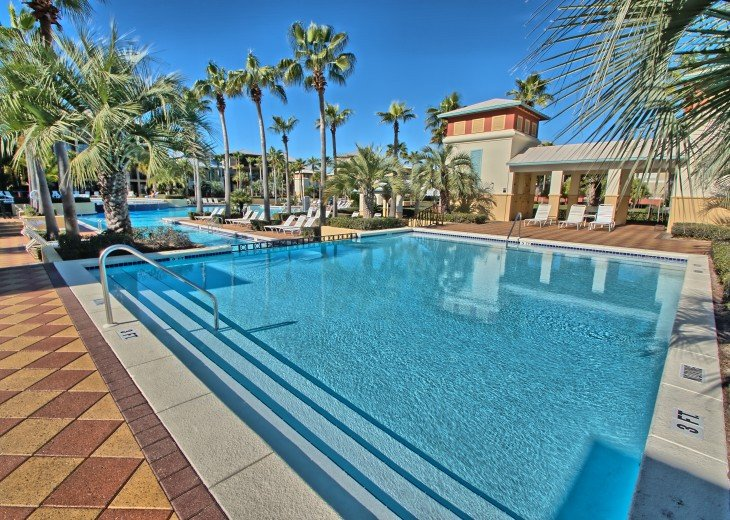 Pool Deck House ! 1 block to Beach, 1 block to Rosemary Beach town square #35