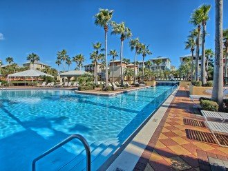 Pool Deck House ! 1 block to Beach, 1 block to Rosemary Beach town square #1