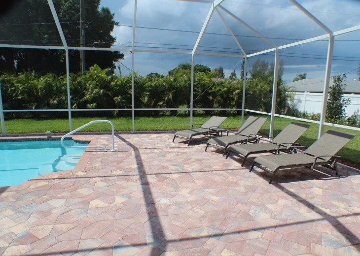 Spacious villa with private pool in a prime beach location #5