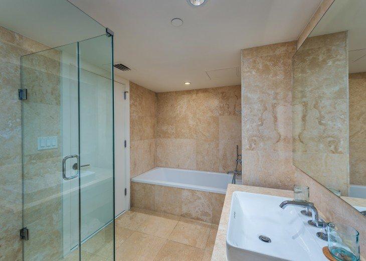 1 Bedroom Ocean View Condo within Luxurious Hotel - 1007 #9