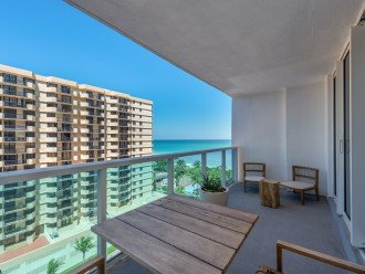1 Bedroom Ocean View Condo within Luxurious Hotel - 1007 #1