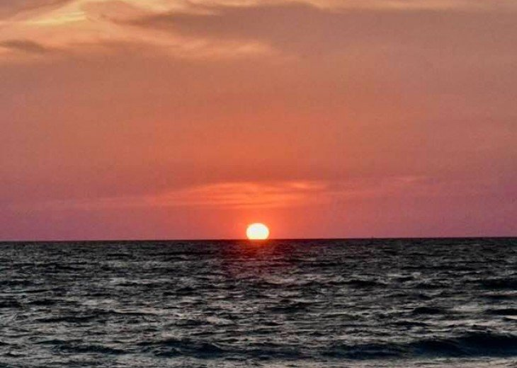 ST AUGUSTINE BEACH DIRECT OCEANFRONT BEACH HOUSE SLPS 2-8 or 12 fr $199 NIGHT #28