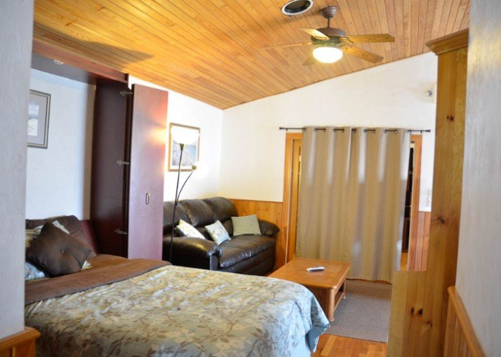ST AUGUSTINE BEACH DIRECT OCEANFRONT BEACH HOUSE SLPS 2-8 or 12 fr $199 NIGHT #19