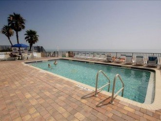 Direct Oceanfront. Largest Balcony in Daytona Beach!! #1