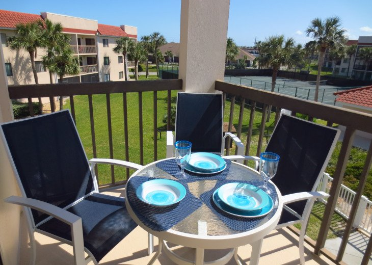 SPRING SPECIAL- BEACH ACCESS-VACATION RENTAL-2 POOLS-1 heated, TENNIS-BBQ #41
