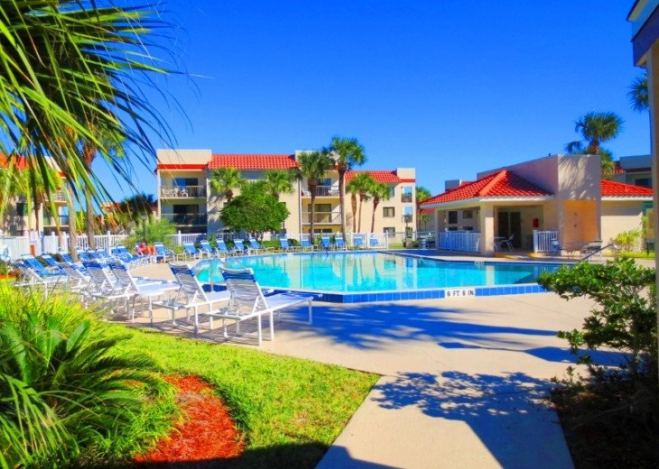 SPRING SPECIAL- BEACH ACCESS-VACATION RENTAL-2 POOLS-1 heated, TENNIS-BBQ #1