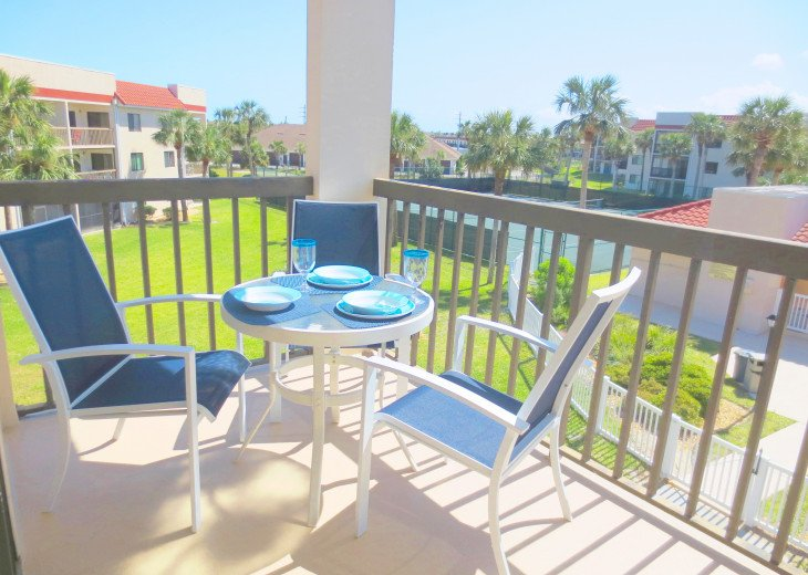 SPRING SPECIAL- BEACH ACCESS-VACATION RENTAL-2 POOLS-1 heated, TENNIS-BBQ #39