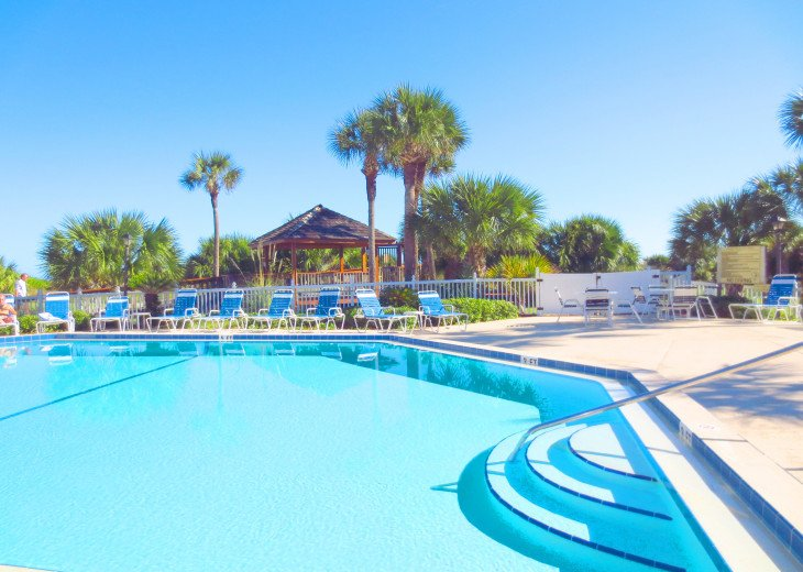 SPRING SPECIAL- BEACH ACCESS-VACATION RENTAL-2 POOLS-1 heated, TENNIS-BBQ #14