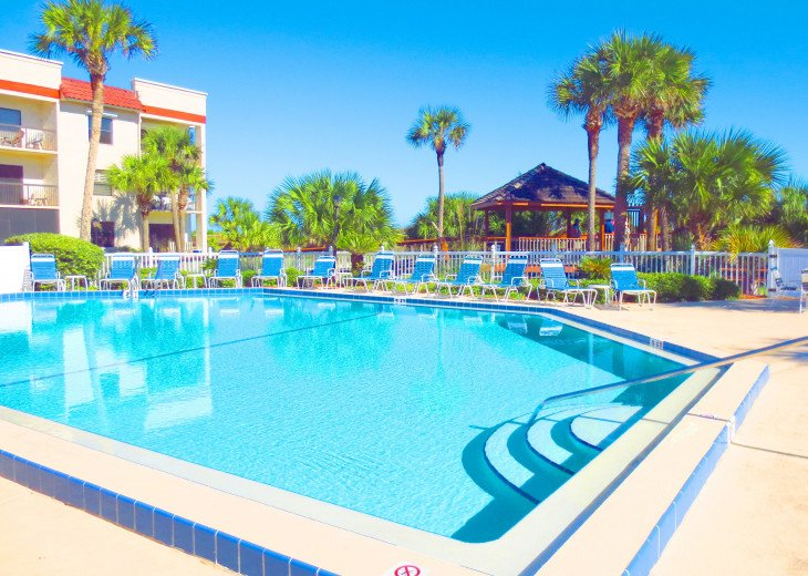 SPRING SPECIAL- BEACH ACCESS-VACATION RENTAL-2 POOLS-1 heated, TENNIS-BBQ #10