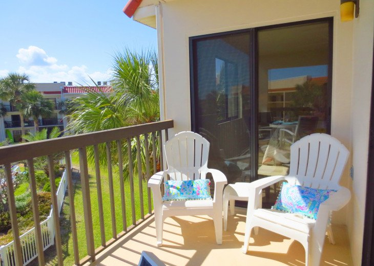 SPRING SPECIAL- BEACH ACCESS-VACATION RENTAL-2 POOLS-1 heated, TENNIS-BBQ #42