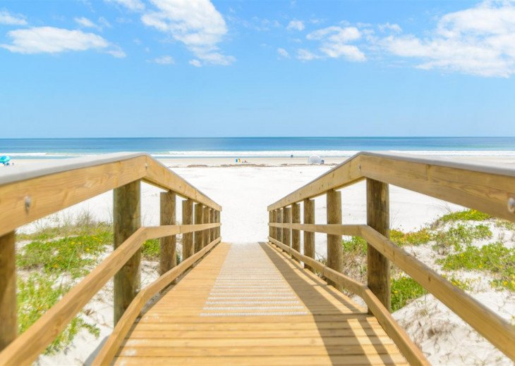 SPRING SPECIAL- BEACH ACCESS-VACATION RENTAL-2 POOLS-1 heated, TENNIS-BBQ #3