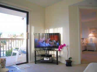 Sony Large flat screen TV + DVD