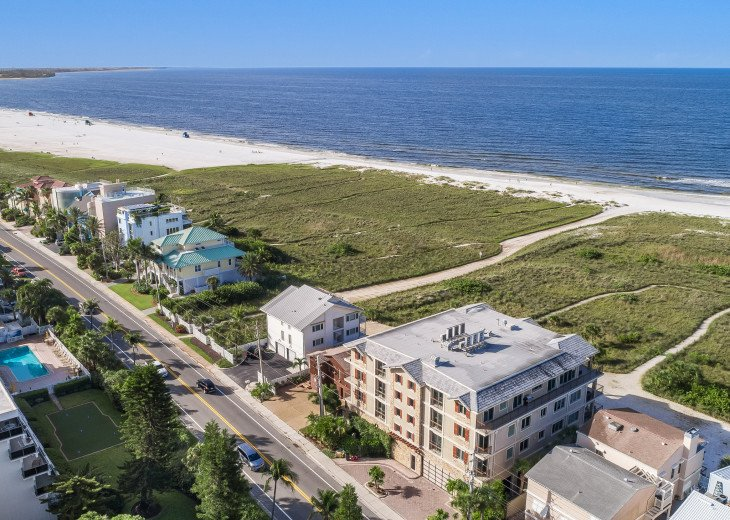 The Seascape – 8BR/9BA Beachfront, Heated Shared Pool, Private Access to Beach #122