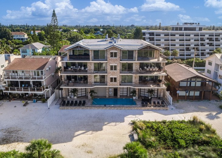 The Seascape – 8BR/9BA Beachfront, Heated Shared Pool, Private Access to Beach #114