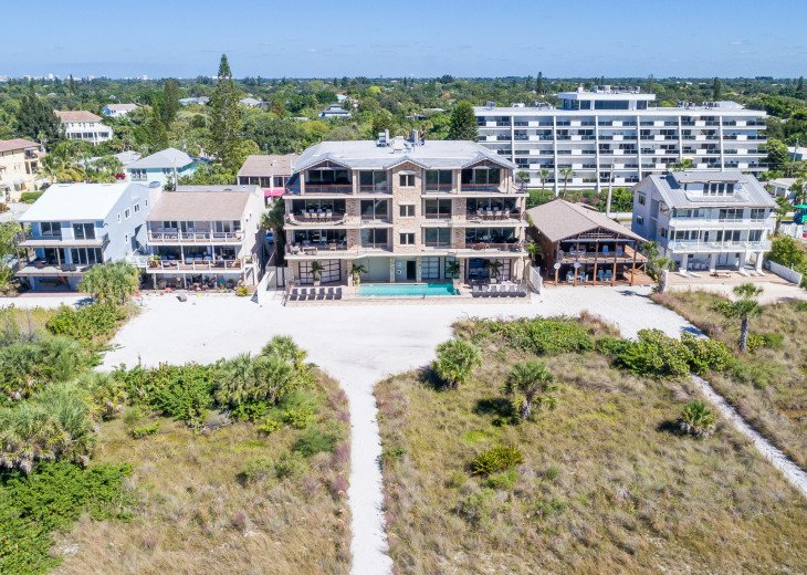 The Seascape – 8BR/9BA Beachfront, Heated Shared Pool, Private Access to Beach #117