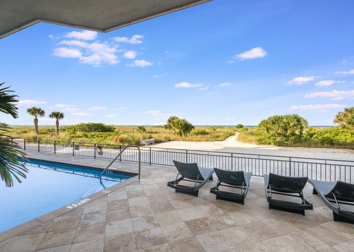 Ocean's Edge- 4BR/4.5BA Beachfront Condo, Heated Pool, With Private Beach Access #62