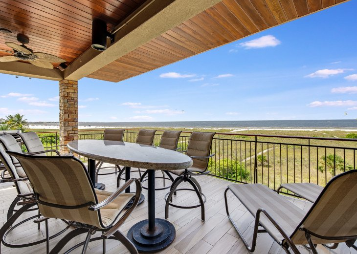 Ocean's Edge- 4BR/4.5BA Beachfront Condo, Heated Pool, With Private Beach Access #60