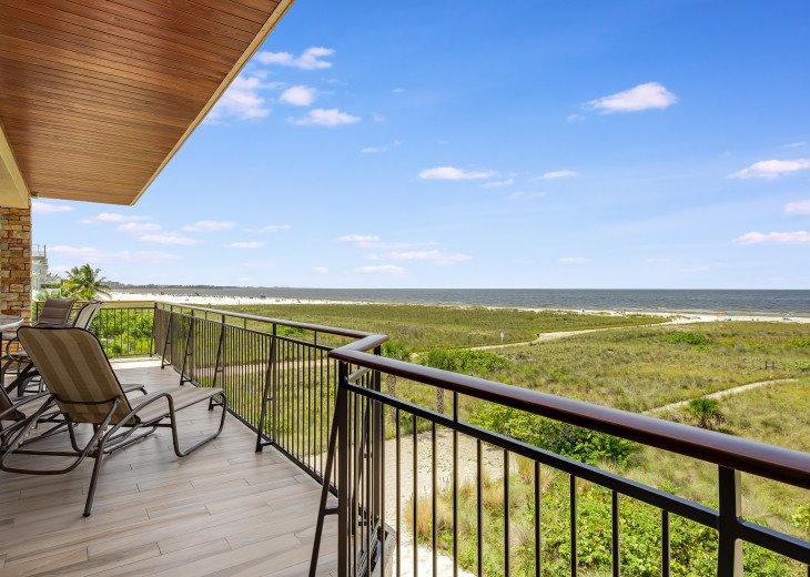Ocean's Edge- 4BR/4.5BA Beachfront Condo, Heated Pool, With Private Beach Access #58