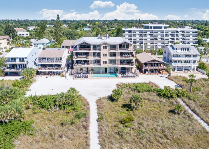 West Shore - 4BR/4.5BA Beach Front Condo, Heated Pool, With Private Beach Access #58