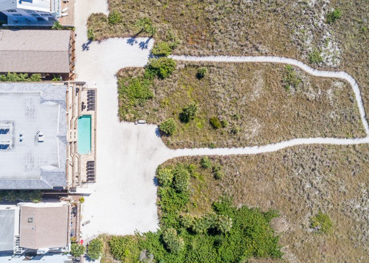 West Shore - 4BR/4.5BA Beach Front Condo, Heated Pool, With Private Beach Access #60