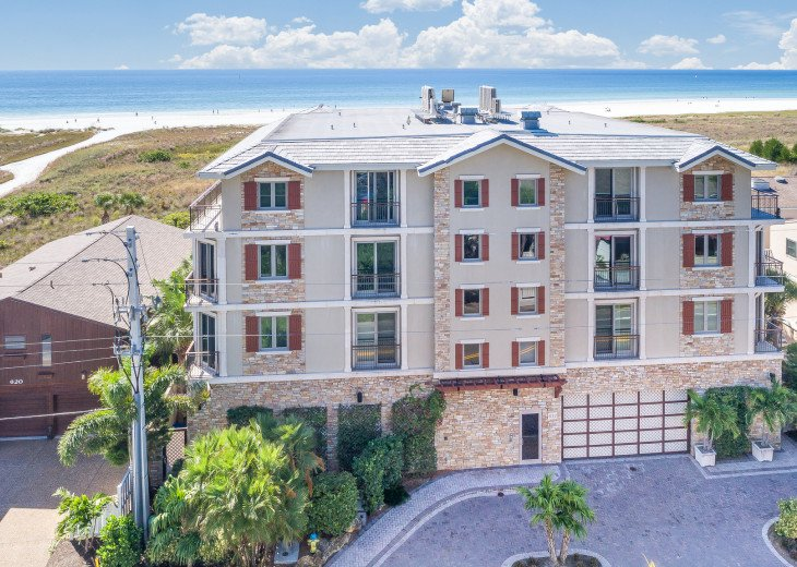 West Shore - 4BR/4.5BA Beach Front Condo, Heated Pool, With Private Beach Access #3