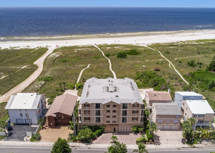 West Shore - 4BR/4.5BA Beach Front Condo, Heated Pool, With Private Beach Access #4