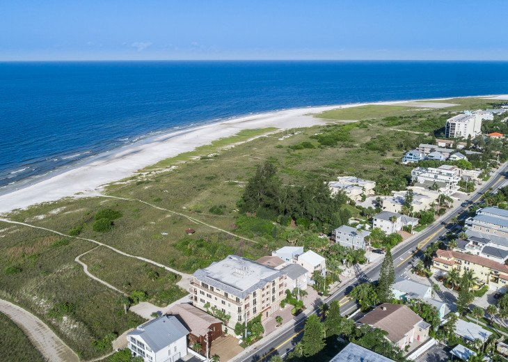 West Shore - 4BR/4.5BA Beach Front Condo, Heated Pool, With Private Beach Access #63